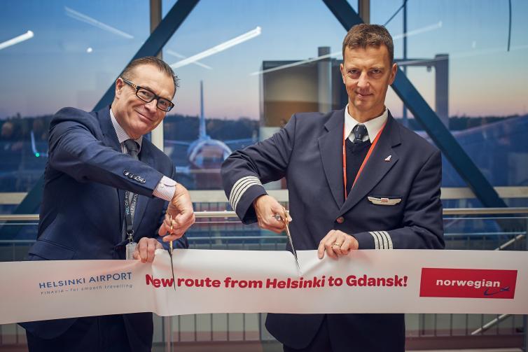 Norwegianin Helsinki-Gdansk reitin avausta juhlittiin kirpeässä aamusäässä