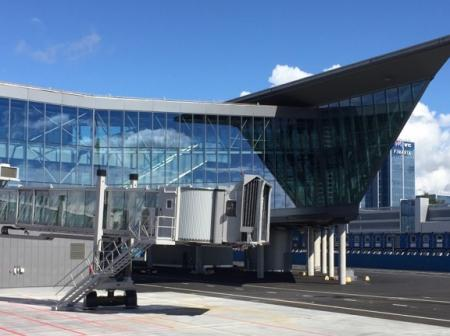 Helsinki Airport's south pier from outside.
