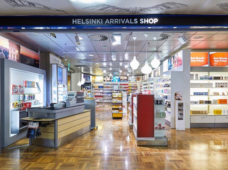Helsinki arrival shop -myymälän edusta 0ee32bfffb