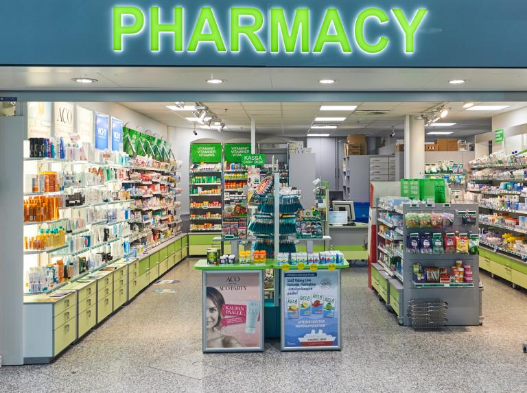 Front of the pharmacy at the airport f5609b9d8f