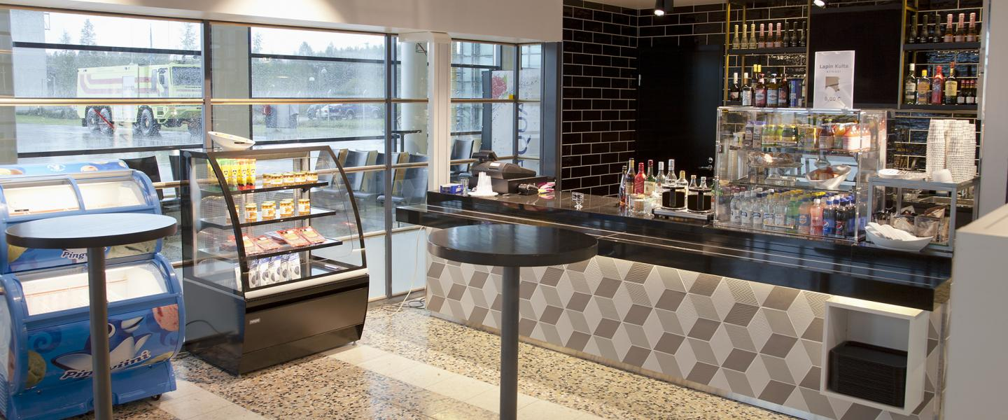 tampere_airport_cafe_2.jpg