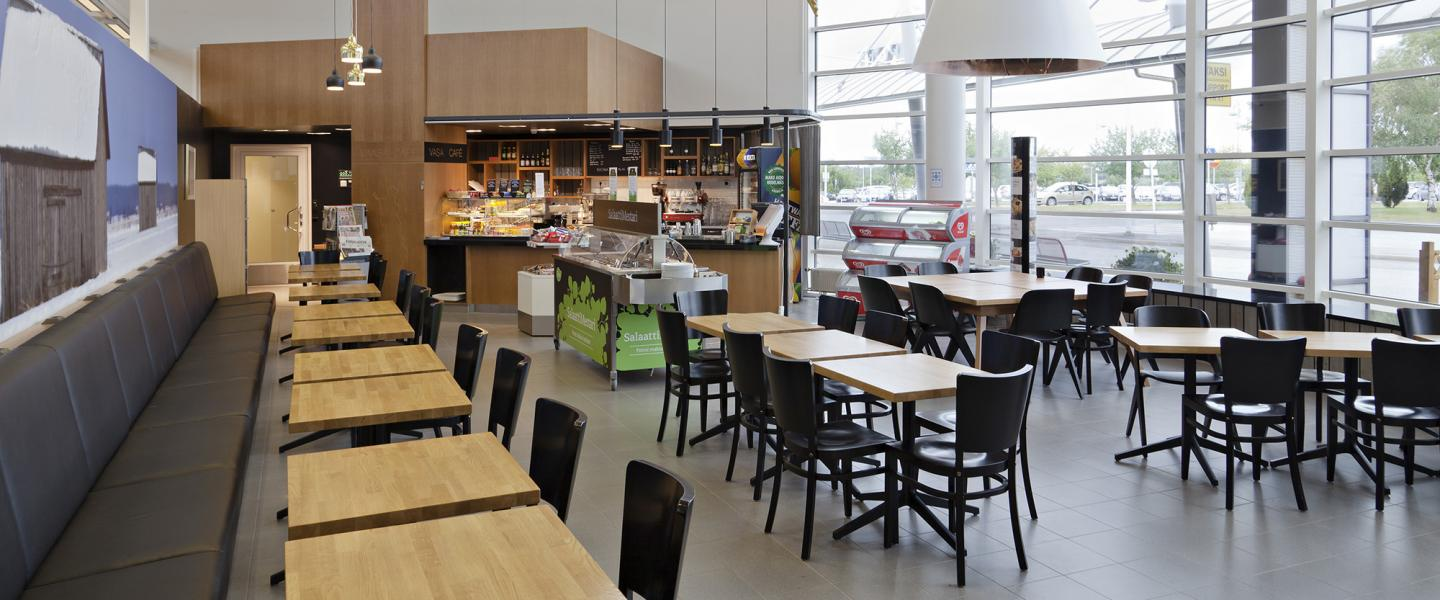 vaasa_airport_cafe_landside_2.jpg