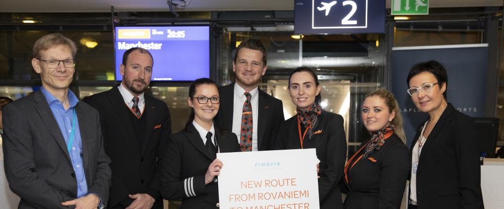 Guests and hosts from Finavia at the route opening ceremony