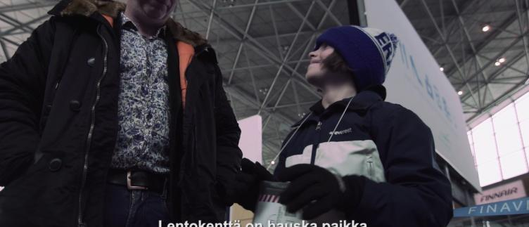 Thumbnail from the video with title Lapsi matkustaa yksin